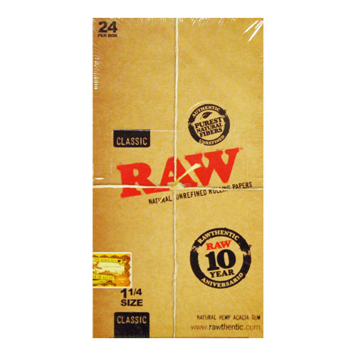 RAW 1 1/4 Size Classic Natural Rolling Papers 24ct Box